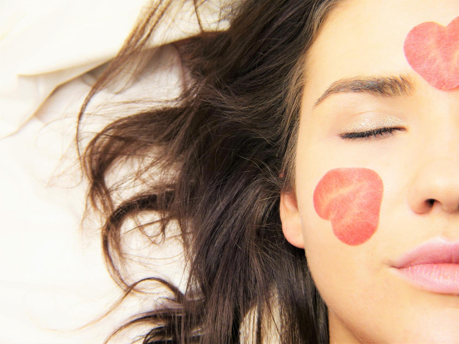 Acido cogico contro le macchie della pelle